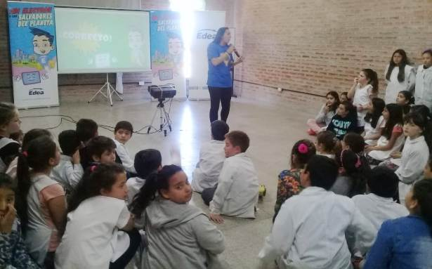 """Edea presentó una nueva campaña educativa: """"Edi y los salvadores del planeta"""""""